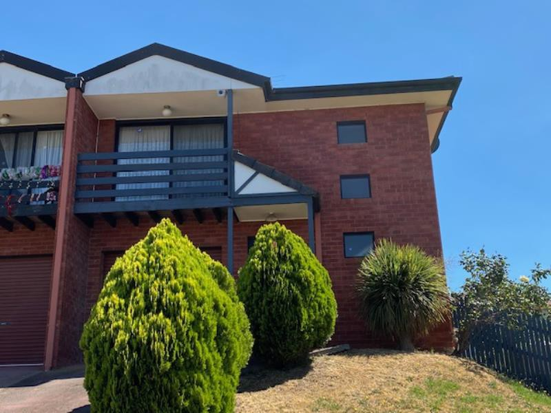 House for rent in endeavour hills